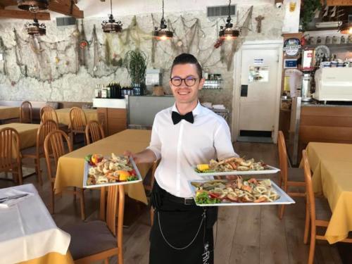 102 ristorante riviera calceranica al lago trento